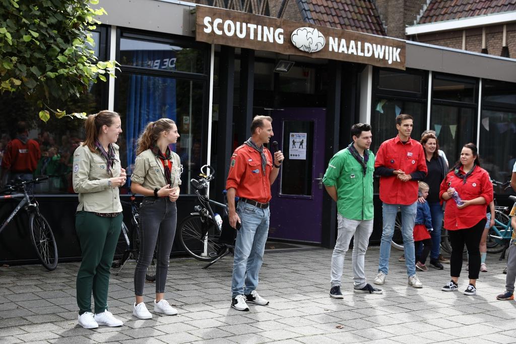 Vrijwilligers in actie tijdens open dag